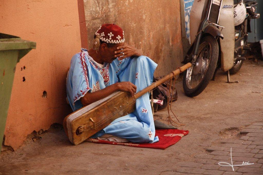http://www.turismomarruecos.net - Ver más fotos en la galería https://www.flickr.com/photos/bruyxa/ - Musico en Marrakech | Flickr - Photo Sharing!