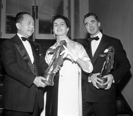 Bonnie Cashin et Charles James ont Obtenu un 'Coty Awards' en 1950