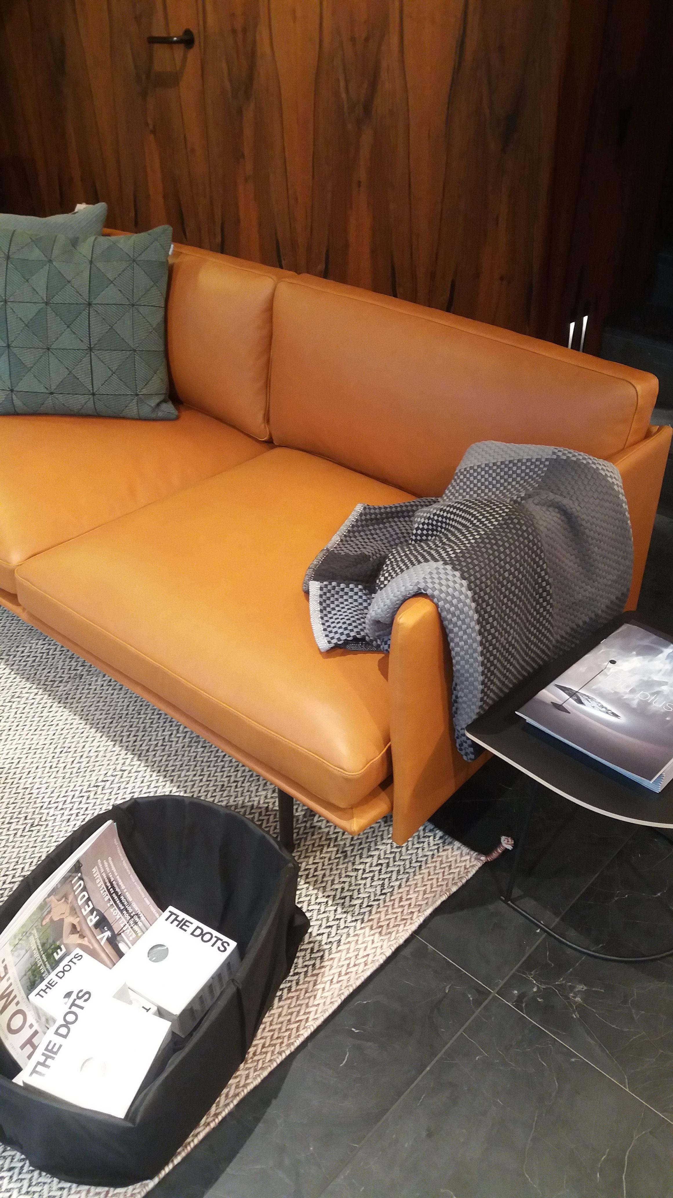 Outline Sofa In Cognac Silk Leather Accessories By Muuto Sofa Design Sofa Furniture Muuto Sofa