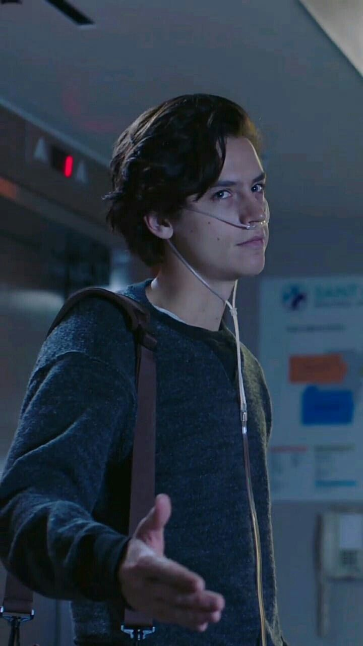 Five Feet Apart Película Completa Coleanddylansprouse In 2020 Cole Sprouse Cole Spouse Cole M Sprouse