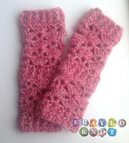 Ravelry: Cozy Wrist Warmers pattern by Jonna Ventura