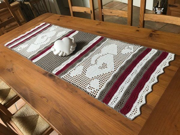 Häkeln / Tischläufer / Hearts | RUNNER | Pinterest | Granny squares
