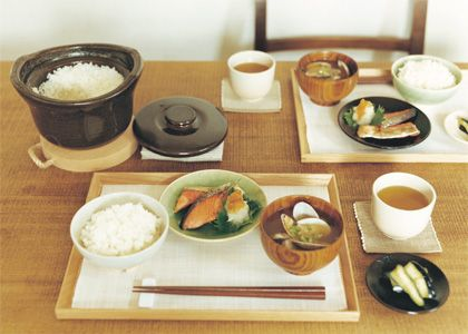 無印良品の「土釜おこげ」で炊くことにより、ふっくらと甘みのある味わいを引きだすことができる、と評判です。土鍋での炊飯は最初はすこし緊張するかもしれませんが、  ...