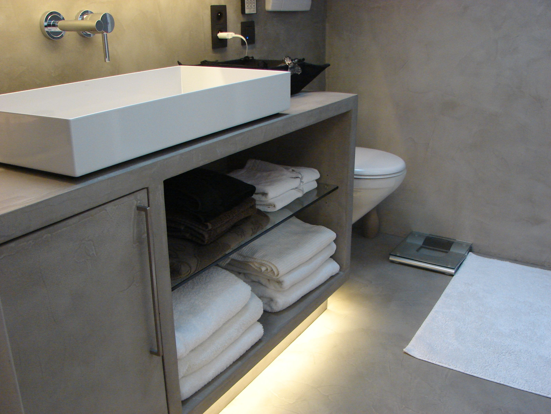Création de meubles salle de bains enduit Béton ciré | Salle de ...