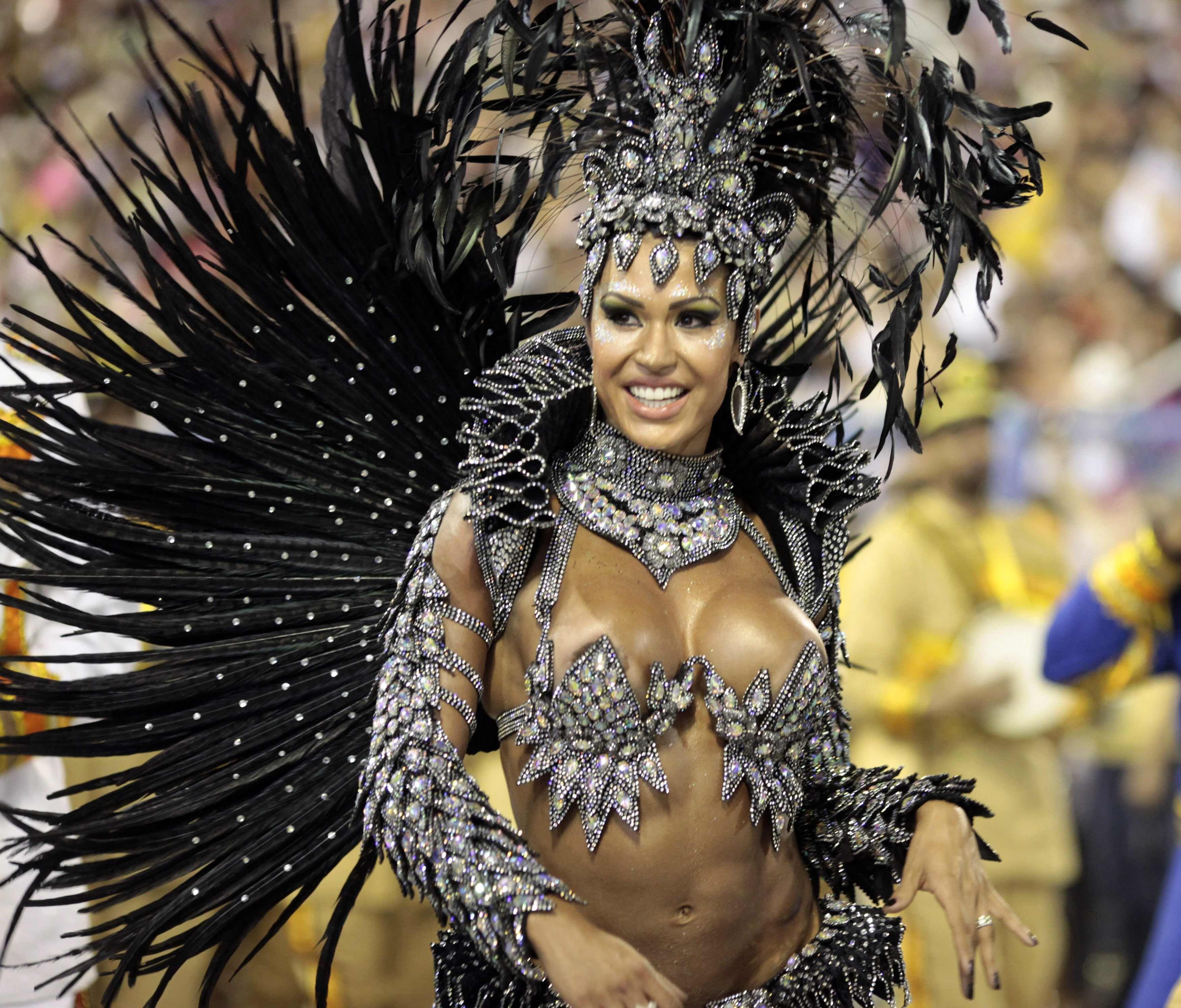 Трусики на бразильском карнавале 10 фотография