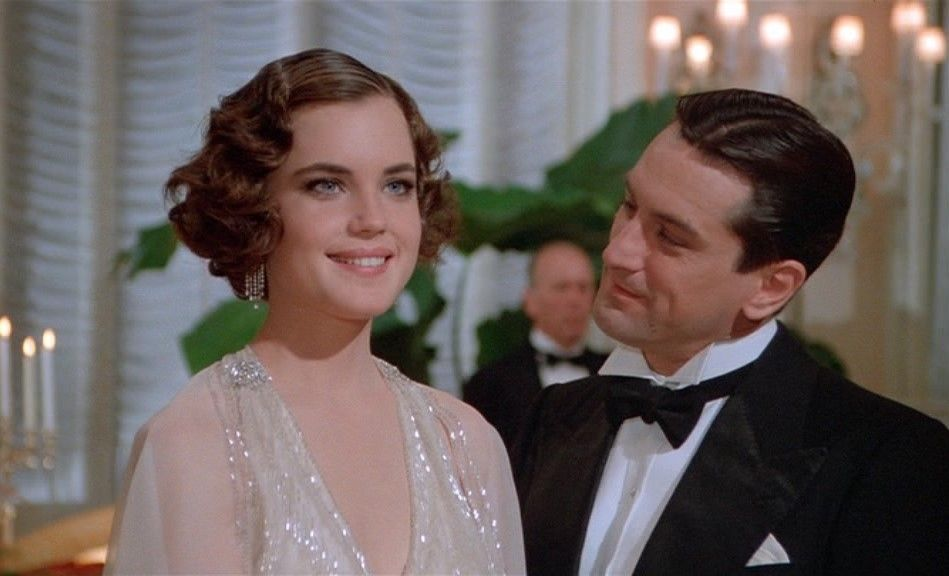 Robert De Niro And Elizabeth Mcgovern In Once Upon A Time In