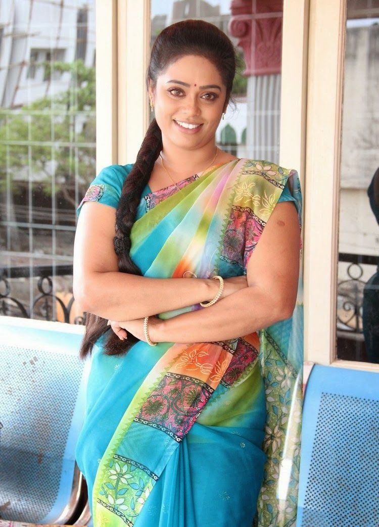 devi priya in blue saree tamil actress sexy photos