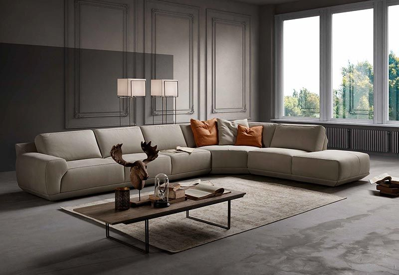 This Modern Couch Is A Very Comfortable Sectional Sofa From Italian Furniture Living Room Design Modern Comfortable Sectional Sofa Modern Furniture Living Room