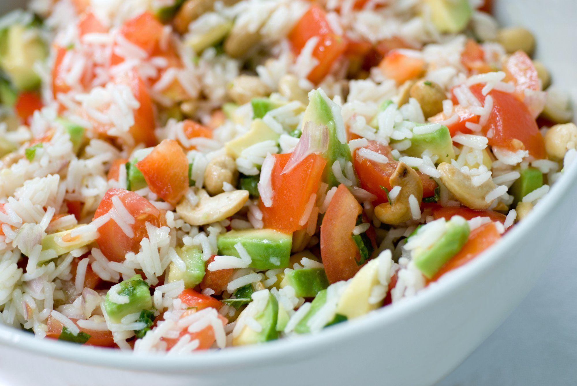 Salade de riz au poulet et à lavocat