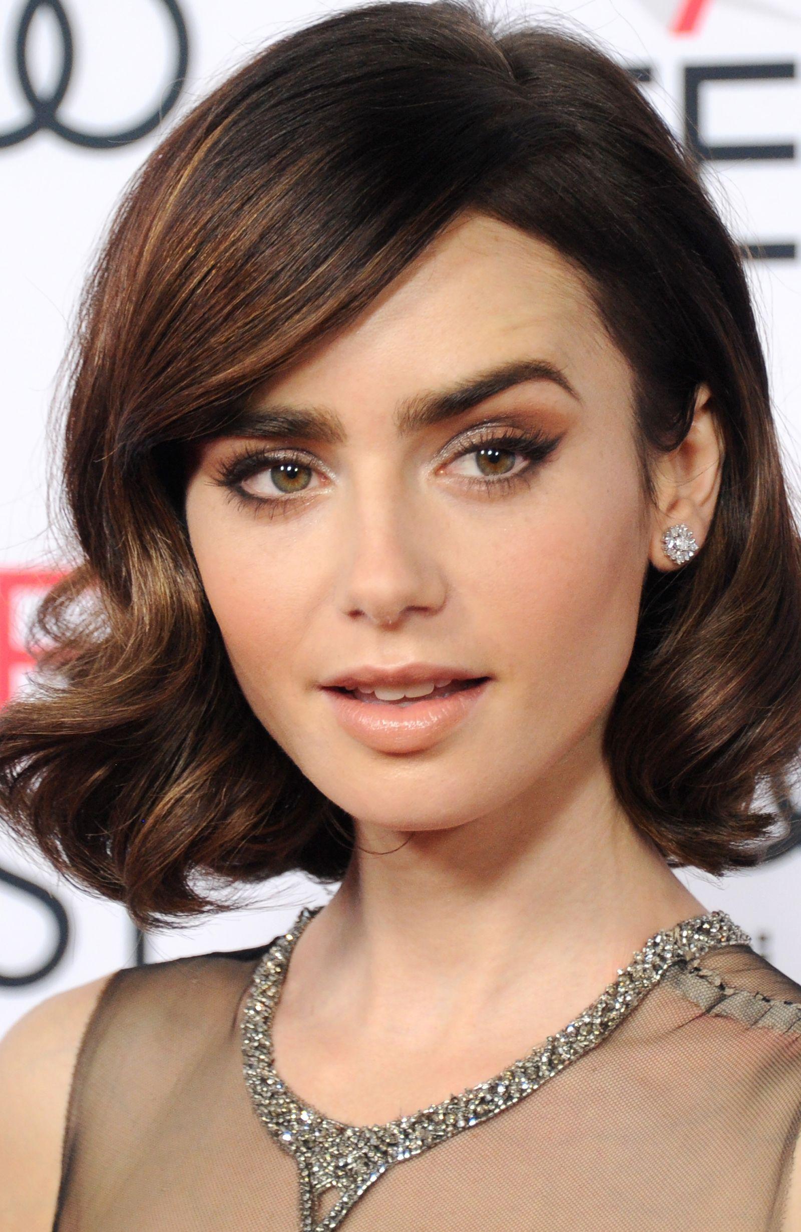 Audrey Hepburn-approved eyeliner - CosmopolitanUK Penteados Audrey Hepburn, Audrey Hepburn Makeup, Audrey