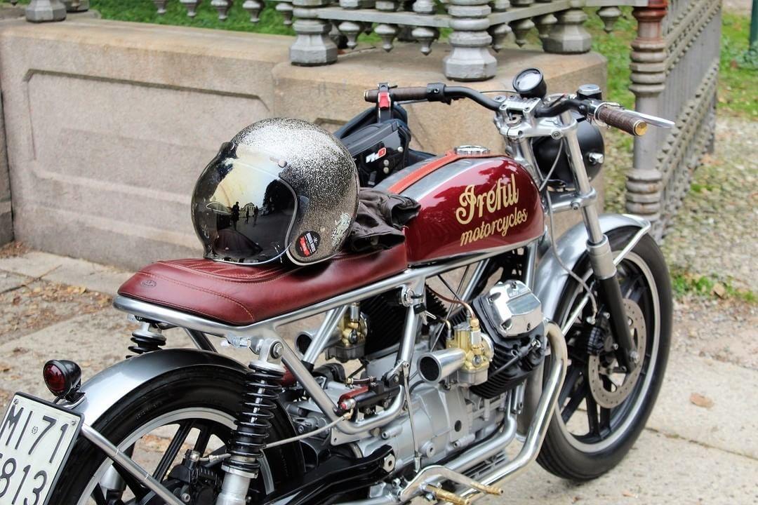 Moto Guzzi V35 II Brat Style - Ireful Motorcycles #motorcycles #bratstyle #motos | caferacerpasion.com