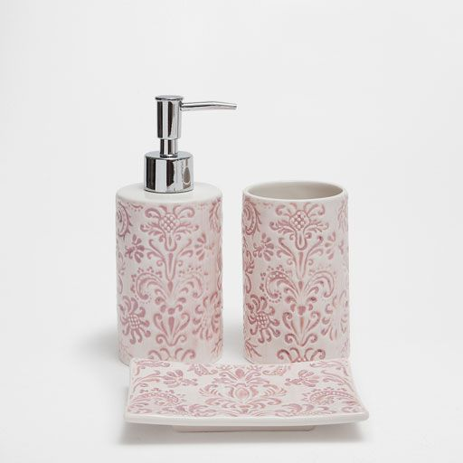 Image Of The Product Fleur De Lis Ceramic Bathroom Set With