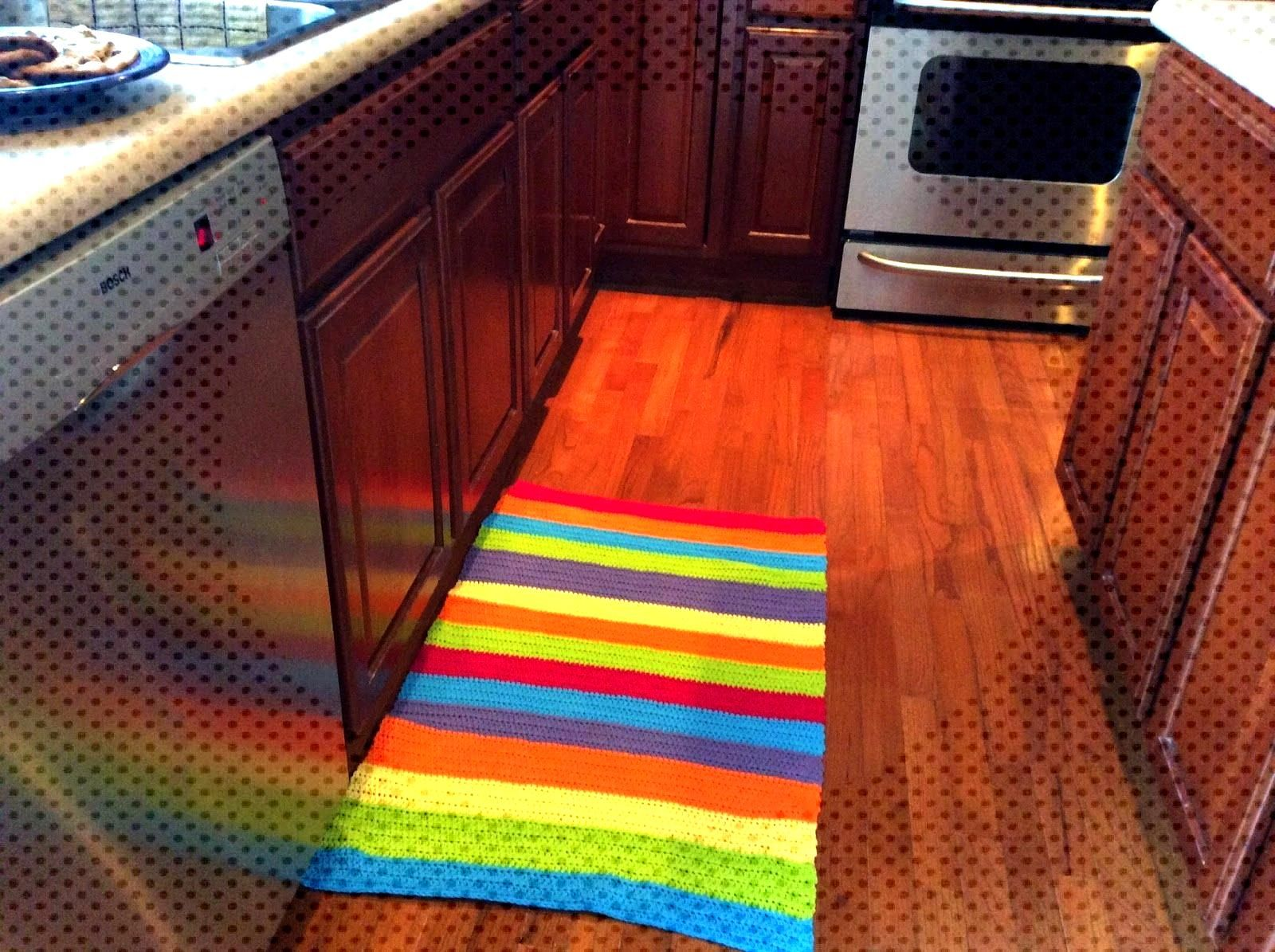 Scrap Happiness: Crocheted kitchen rug is done, thanks to McLeod's Daughters -  Scrap Happiness: Cr