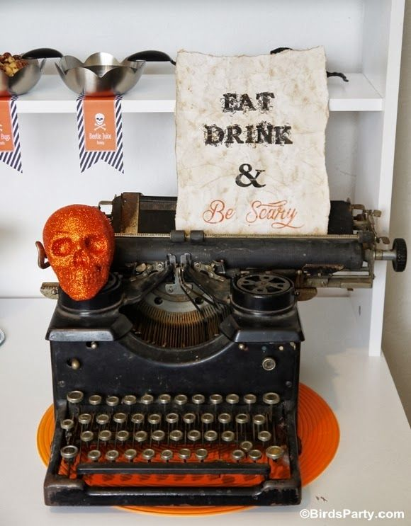 FREE Halloween Party Printable Kit +  Spooky DIY Sign Tutorial by Bird's Party  #halloween #party #freebies #freeprintables #printables #partyideas #partysupplies