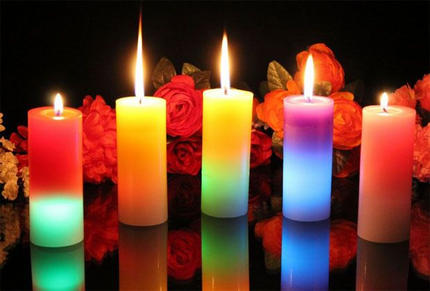 صور أشكال شموع رومانسية ملونة Colored Candles Images عالم الصور Mood Candles Pillar Candles Candle Images