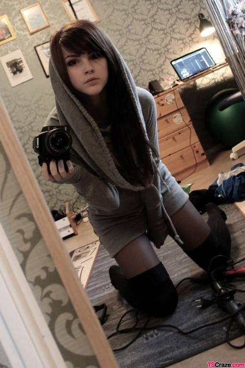 Remarkable, Hot skinny trap selfie