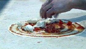 Pizza und Pizza-Teig Vorbereitung