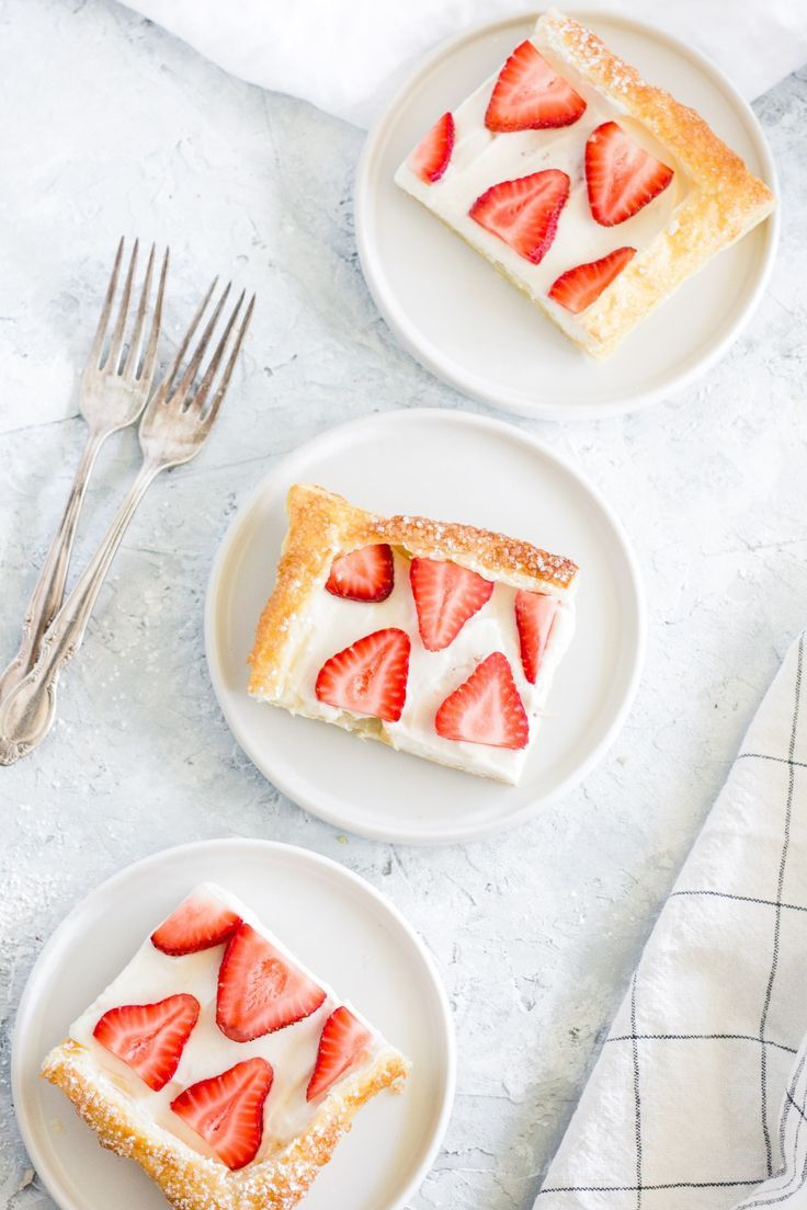 Strawberry Cream Cheese Tart with Puff Pastry #frozenpuffpastry
