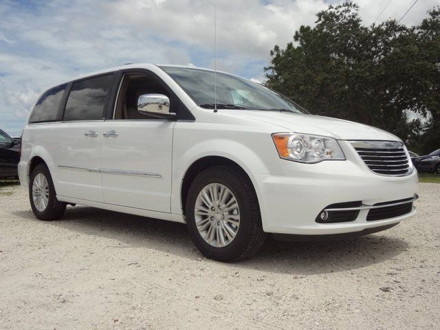 2013 Chrysler Town Country Limited Bright White Chrysler