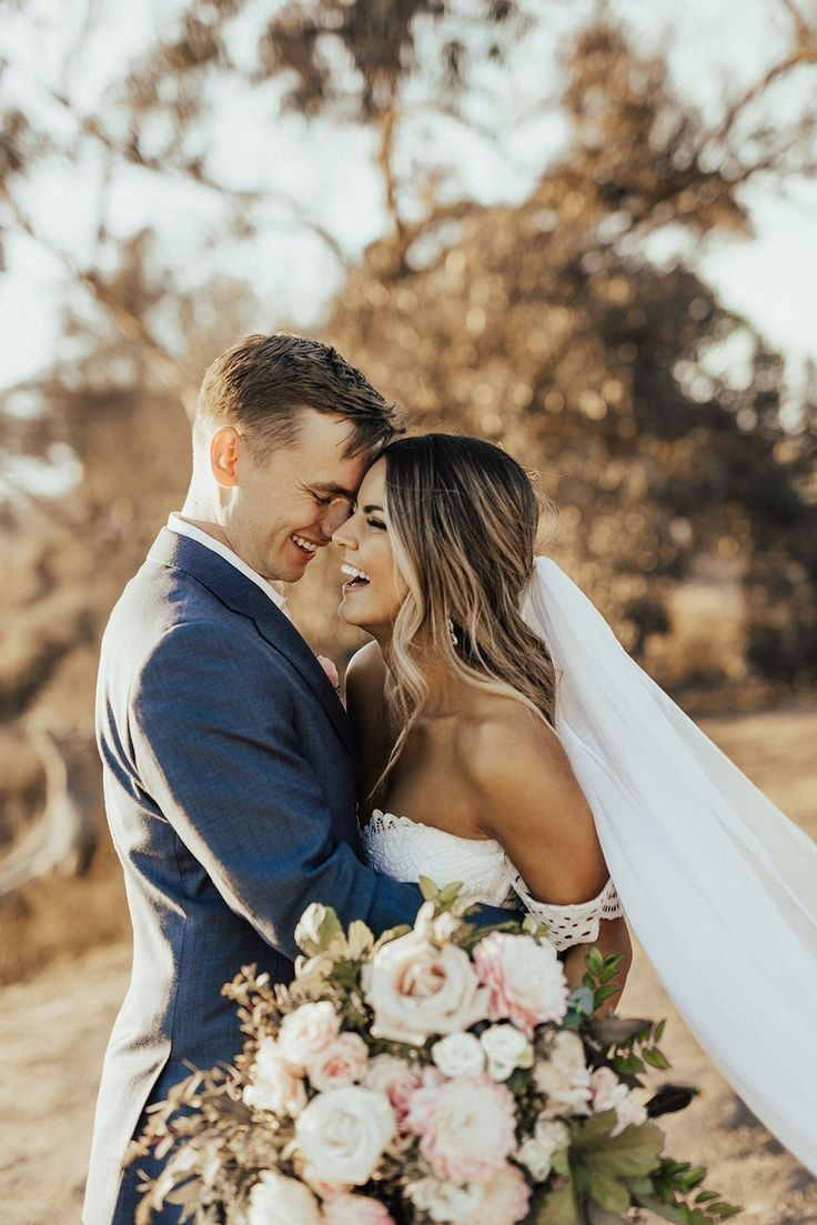 Pin By Hayley Page On Novi S In 2020 Wedding Picture Poses Wedding Couple Poses Wedding Photos Poses