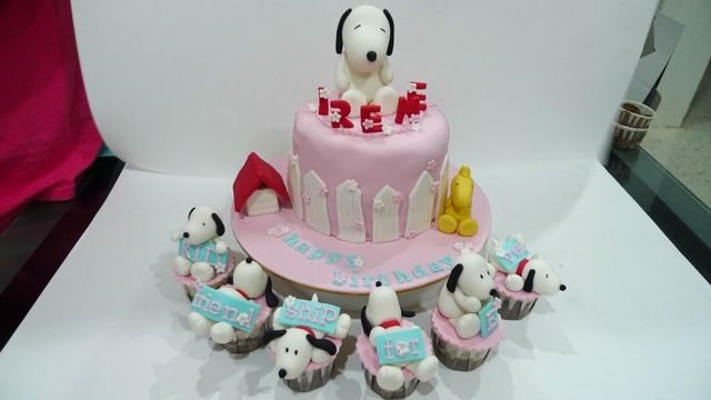 cute snoopy Snoopy Baby Shower Black white yellow Pinterest