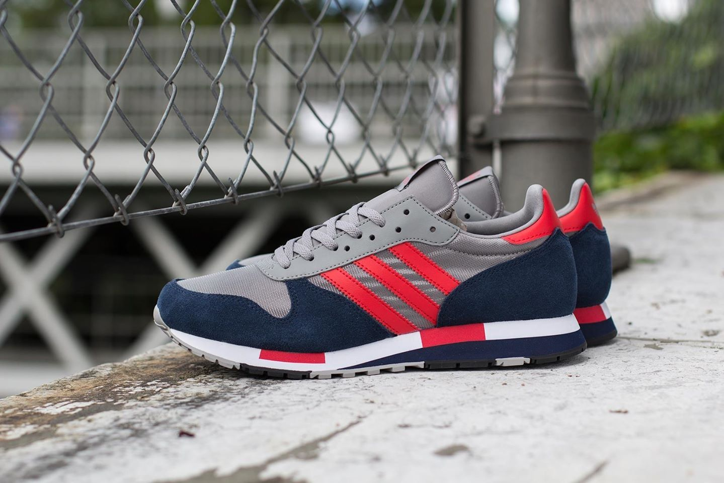 Adidas Originals Centaur: Grey/Blue/Red