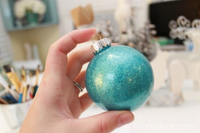 Make Your Own Glitter In Glass Christmas Ornaments With No Mess Minutes