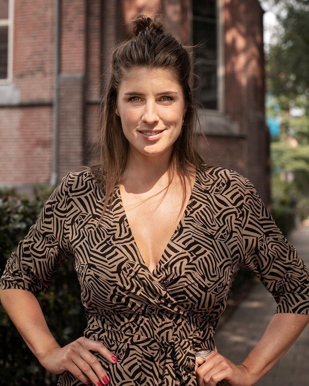 29.3K vind-ik-leuks, 400 opmerkingen - Marieke Elsinga (@mariekeelsinga) op  Instagram: 'INDIAN SUMMER! En dus nieuwe Oscar&Jane items 😍 Jurkjes,  (Kiki) truien … i 2020