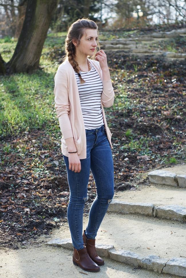 Barwne Stylizacje: Light pink cardigan