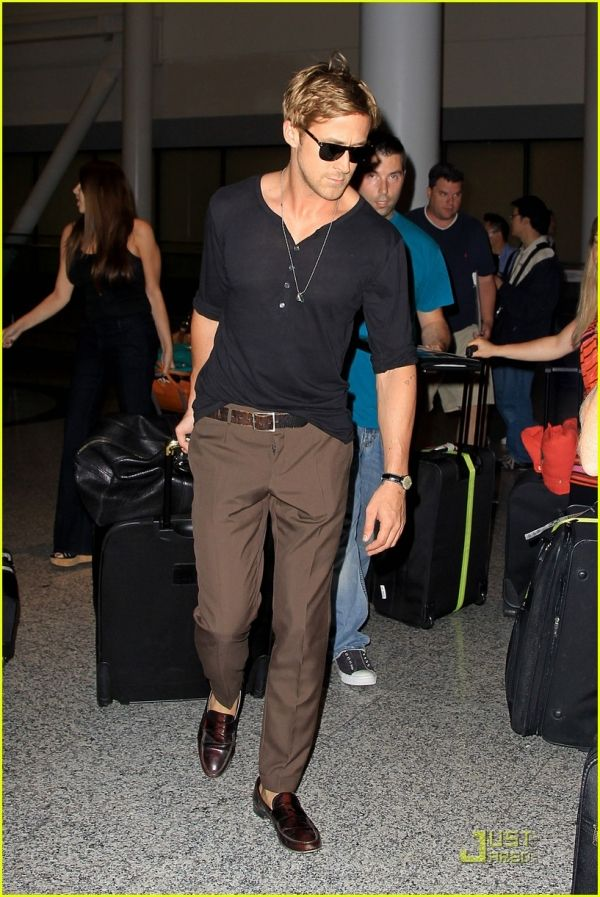 b6dfb29a Pin by Lookastic on Men's Look of the Day | Ryan gosling style, Mens  fashion:__cat__, Ryan gosling
