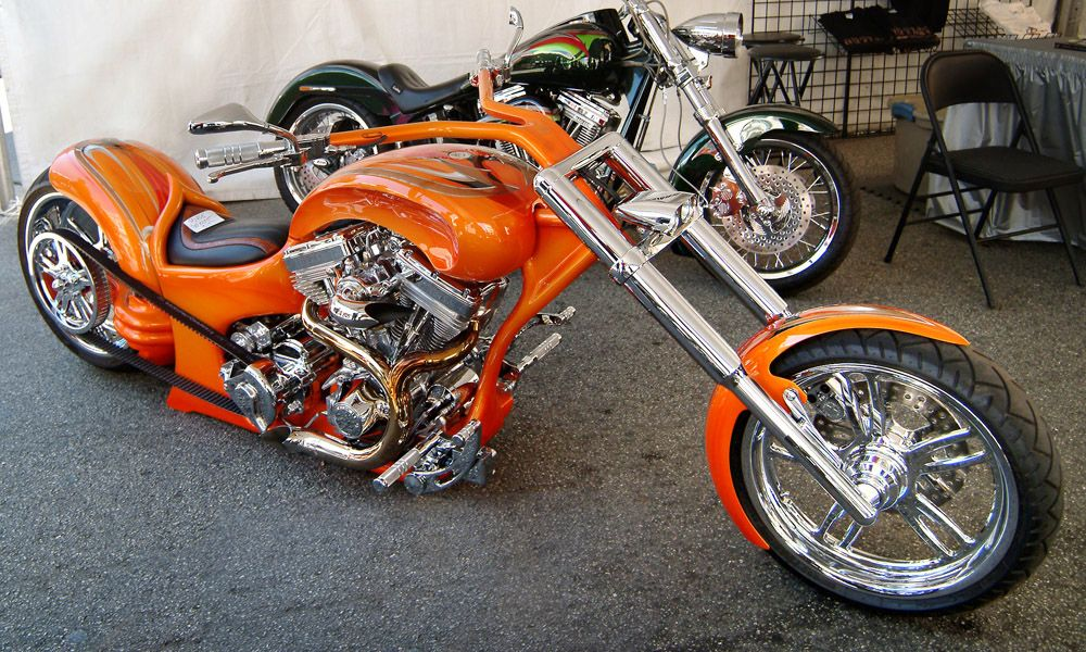 Custom Choppers Custom Choppers Harleys Bobbers Carl Brouhard Designs In Grass Custom Chopper Custom Choppers Custom Bikes