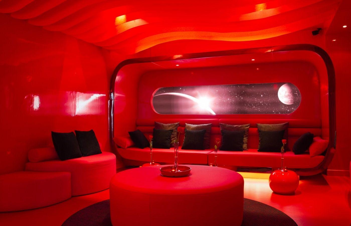 The Five Hotel Paris Maranatha Hotels Love Capsule