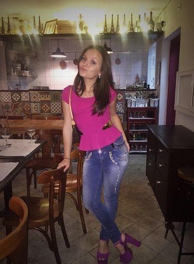 89508b11a512e Aos 14 anos, Larissa Manoela lança moda e inspira o armário até de ...