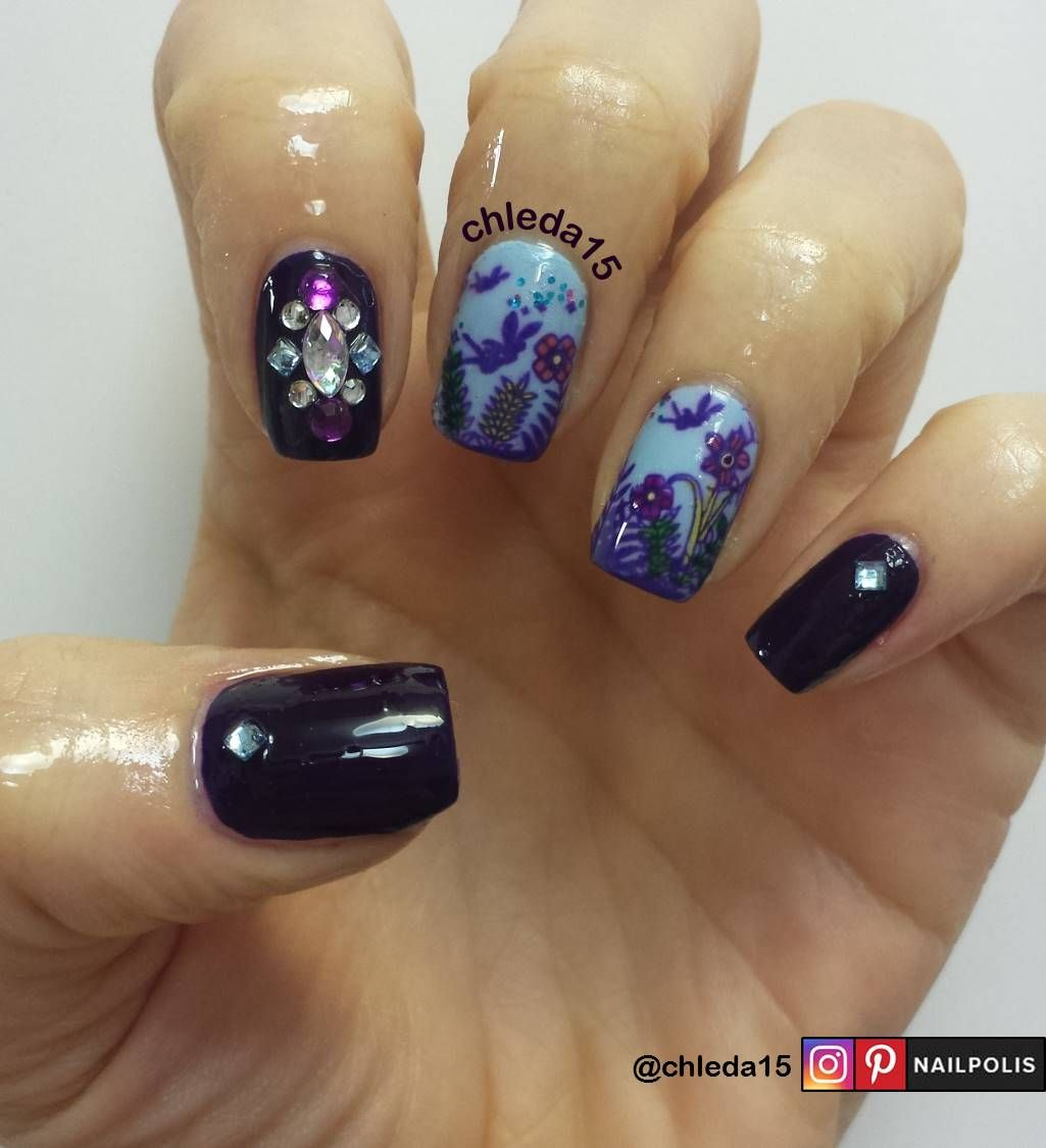 Thumb, pointer & pinky with dark purple as base. Thumb & pinky with ...