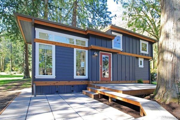 "Tiny Houses ↟ on Twitter: ""The 399 Sq Ft ""Salish"" Cottage at Wildwood Lakefront Cottages in Washington https://t.co/OehEGv98J6"""