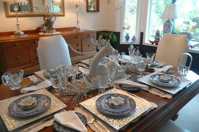 White silver blue dining room color theme and for Silver centerpieces for dining table
