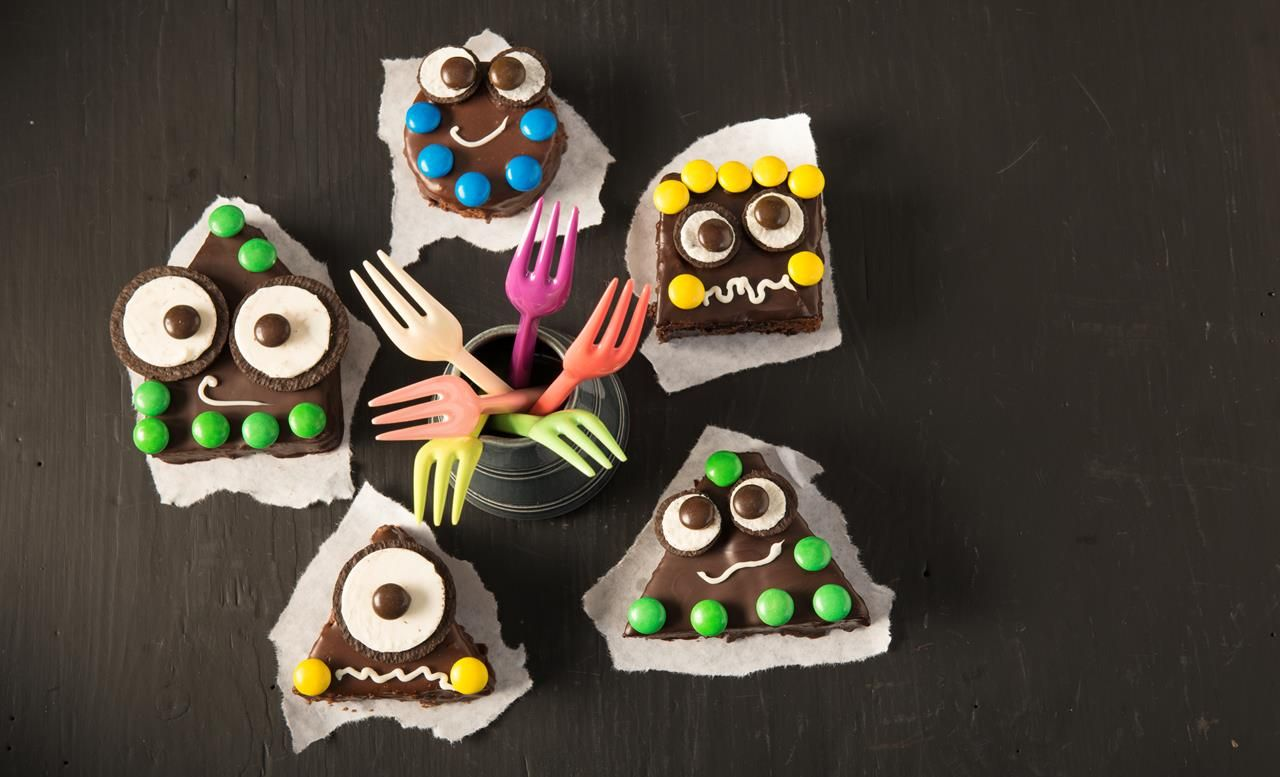 Mini Monster Brownies Rezept Brownie Kasekuche Brownies Blondies