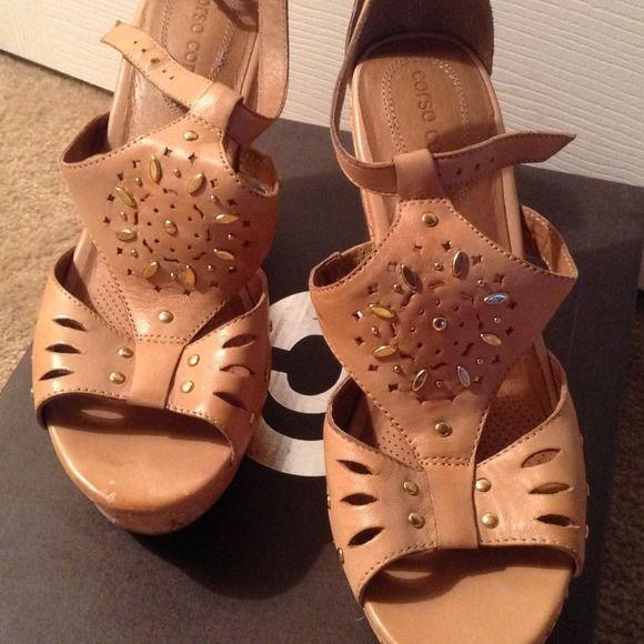 Corso Como Gorgeous sandals !REDUCED!! GREAT  platform shoes with gold stud trim, Corso como Shoes Sandals