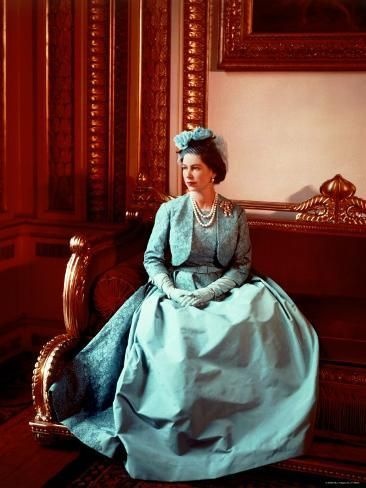 Portrait of Elizabeth II in Turquoise Dress, Born 21 April 1926 Photographic Print by Cecil Beaton | Art.com