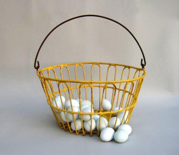 0e8b54e513de3 Vintage Wire Egg Basket, Primitive | On the Homestead | Wire egg ...