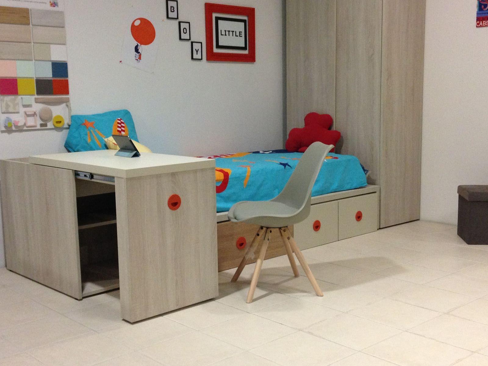 Una Mesa Escritorio Un Arc N Para Almacenar Un Elemento  # Muebles Todo En Uno