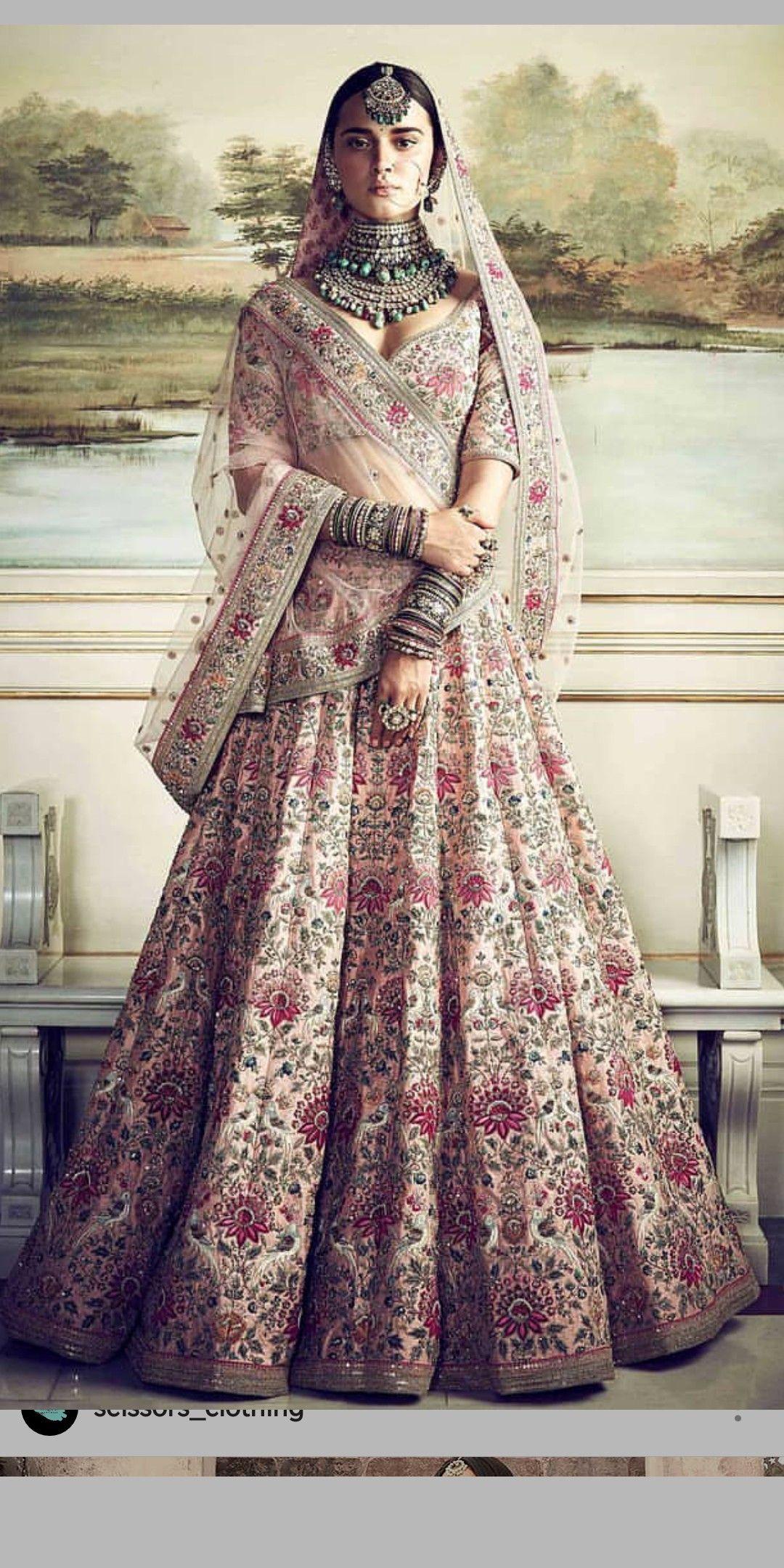 28c723acac Dress worn by Anushka Sharma Kohli on her wedding with Virat Kohli ...