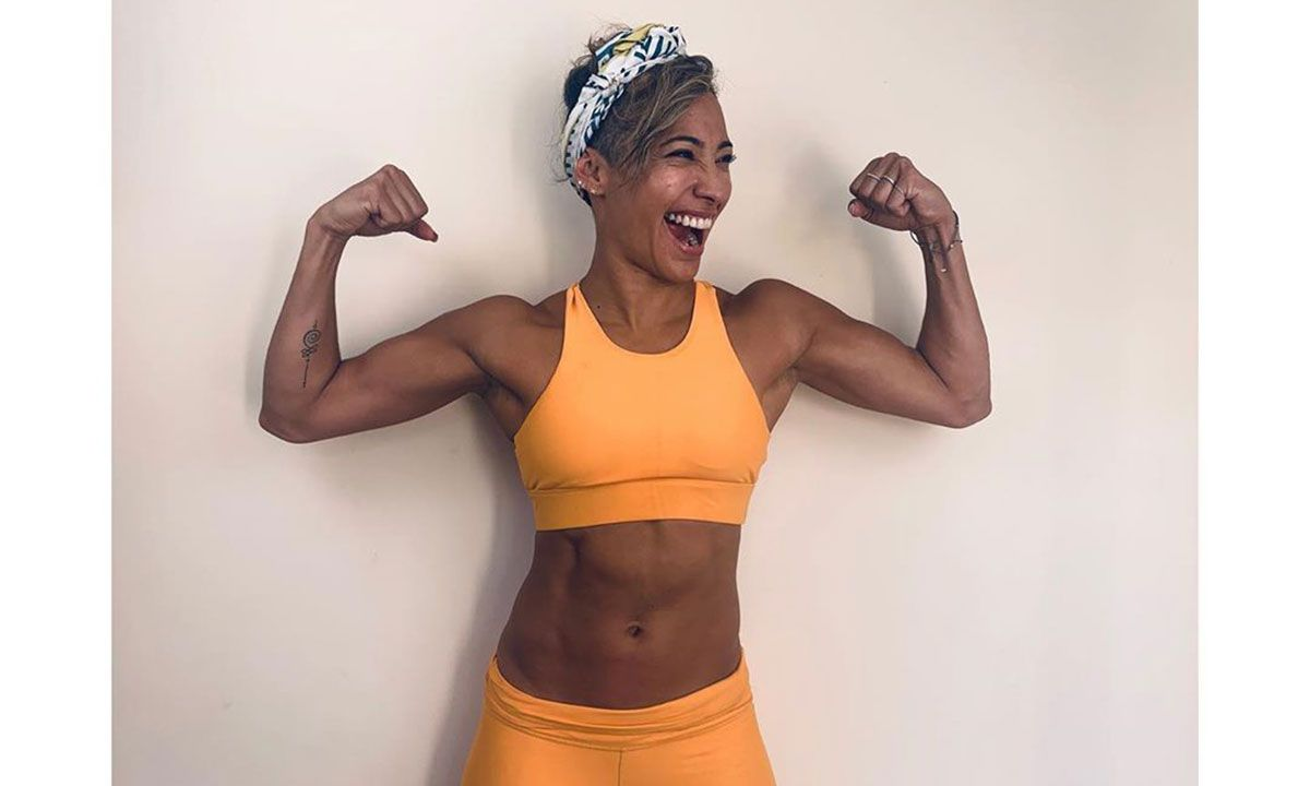 Strictly Come Dancing Pro Karen Hauer Shares 5 Minute Workout That Doesn T Require A Gym Watch Video Strictly Come Dancing Easy Workouts At Home Workouts