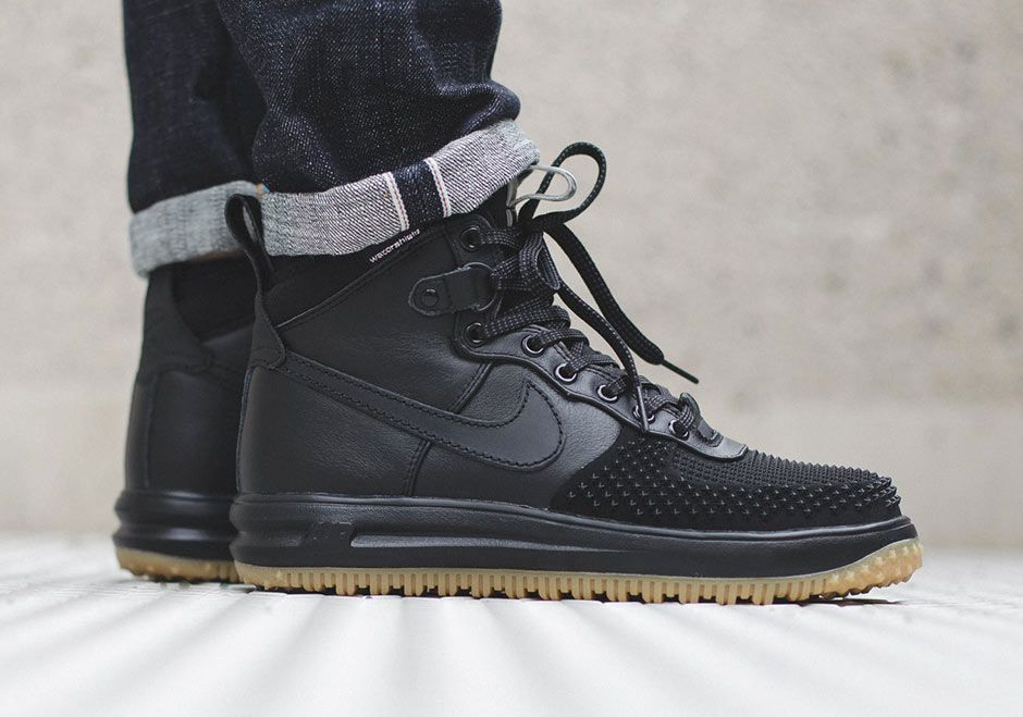 best loved 1224b 543aa Those Mean Looking Nike Lunar Force 1s Are Available Now - SneakerNews.com. Nike  Lunar Force 1 Duckboot ...