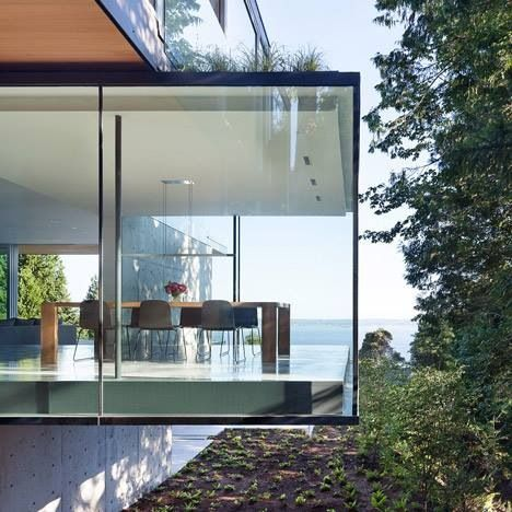 Cantilevered Glass Box With Images Beautiful Houses Interior
