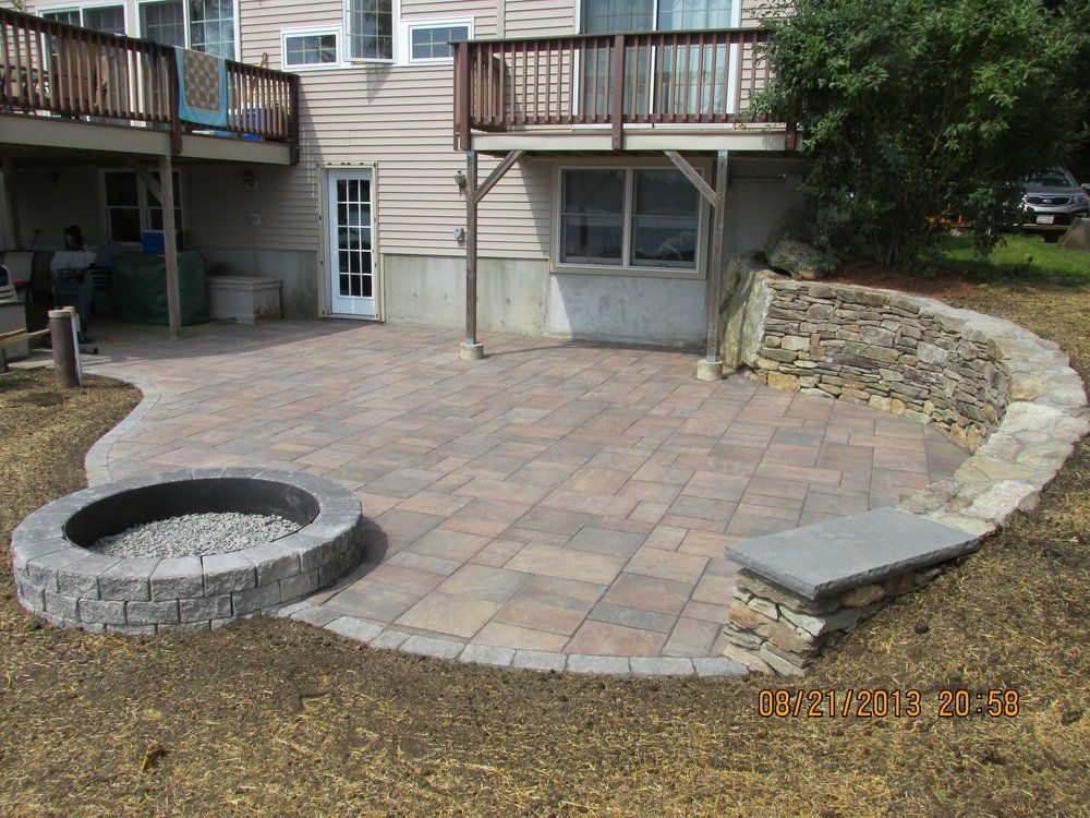 Unilock Patio Designs Beacon Hill Flagstone   Google Search | Outdoor  Living | Pinterest | Exposed Aggregate Driveway, Exposed Aggregate And  Driveways
