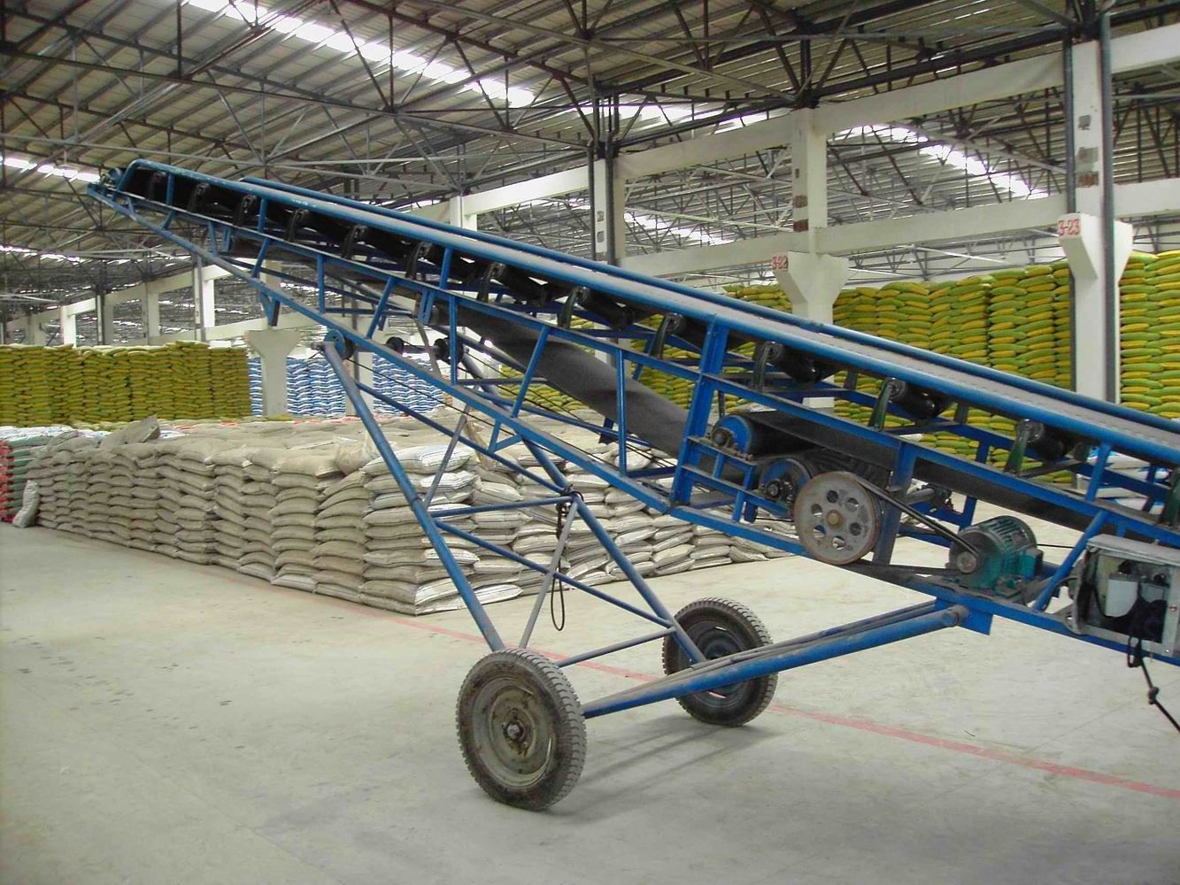 Portable Conveyors: Manufacturer and Exporter of Portable