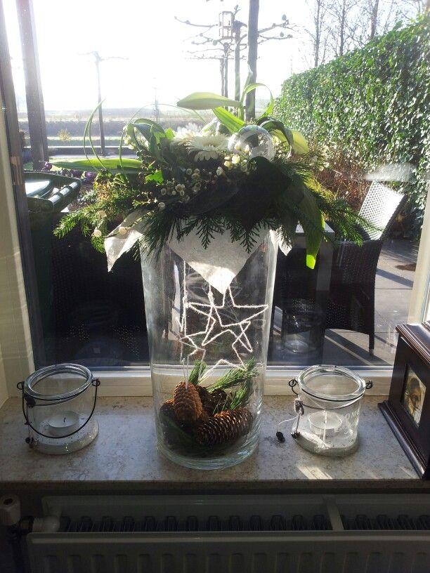 Mooi voorbeeld voor een kerststuk op een vaas for Decoratie in vaas