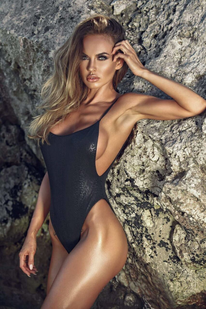 wet one piece Girl tight swimsuits
