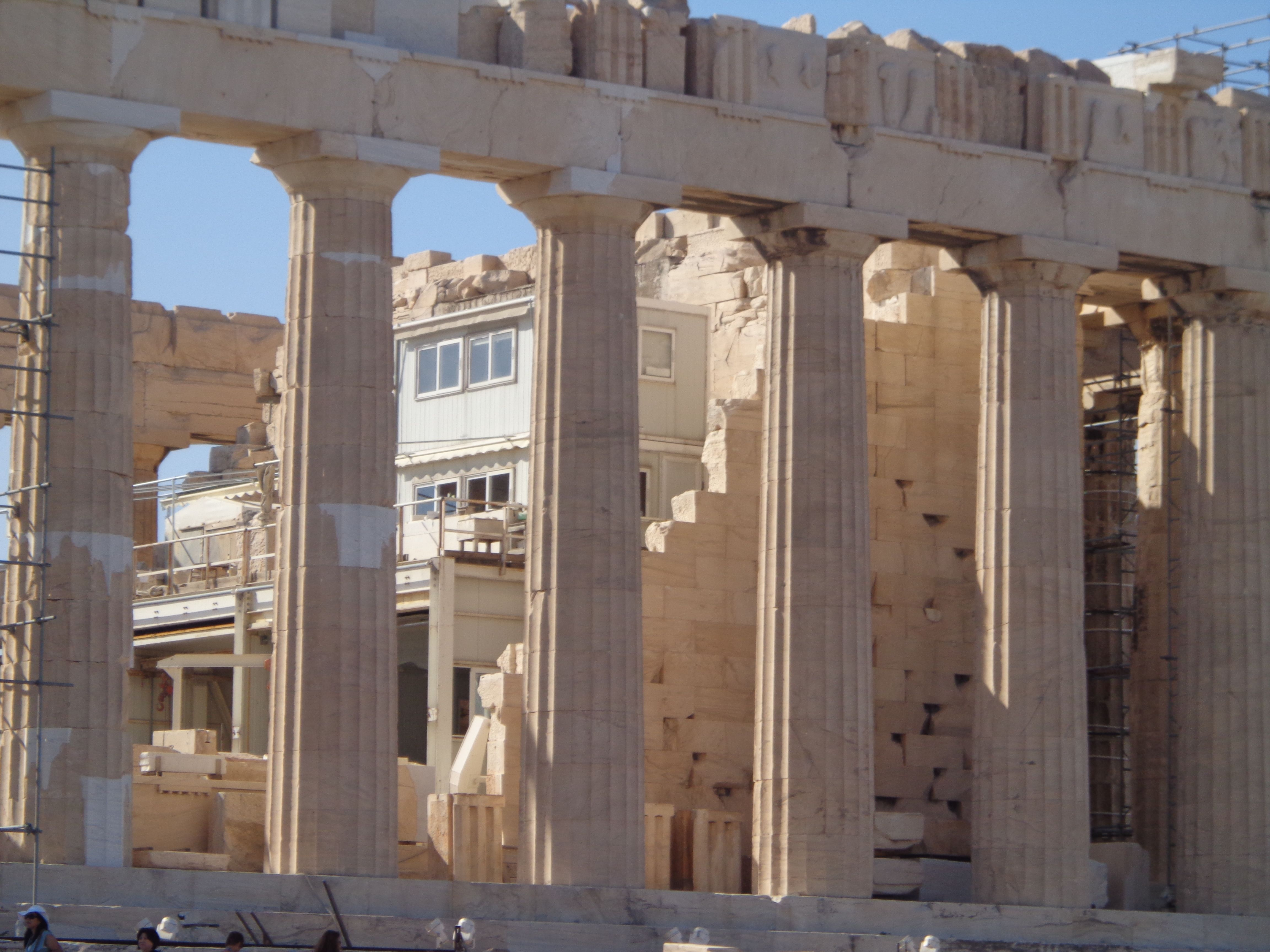 Ancient greek temple interior - Ancient Greece This Is Another View Of The Parthenon With Interior Construction And Exterior Doric Columns